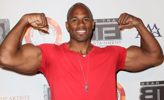 Shad Gaspard Wwe Wrestler Stops Armed Robber Video Si
