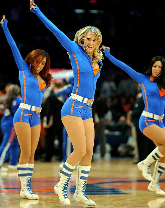 Knicks City Dancers SIcom