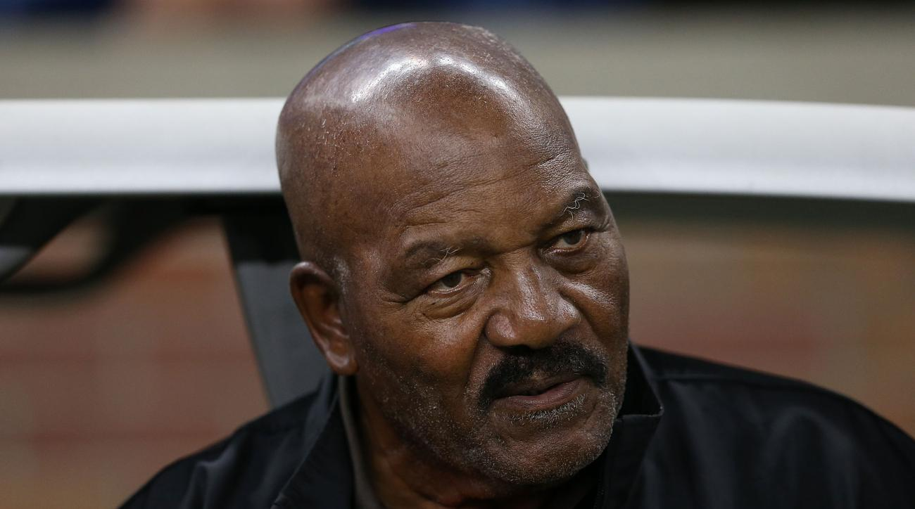 Jim Brown Doesn T Think Nfl Players Should Take Knees In