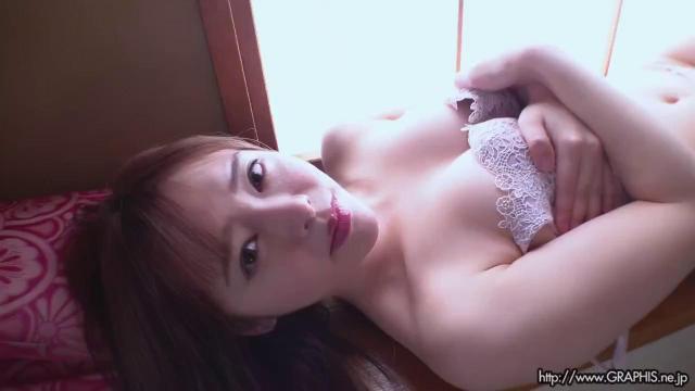 Graphis 2020-06-19 GW SPECIAL 2020 – Yuna Ogura 小倉由菜 『 YUNA STYLE 』 MOVIE 02