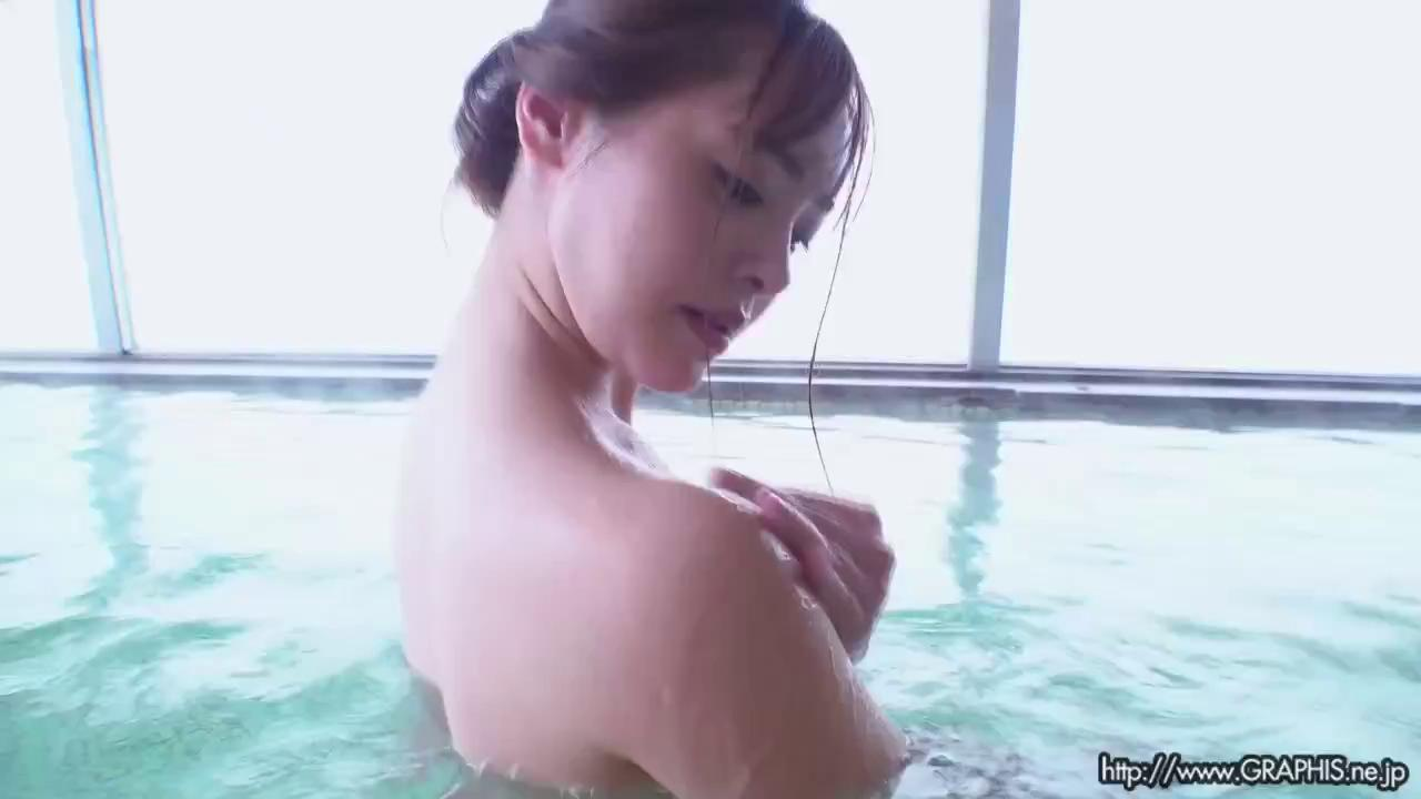 Graphis 2020-07-03 GW SPECIAL 2020 – Yuna Ogura 小倉由菜 『 YUNA STYLE 』 MOVIE 04