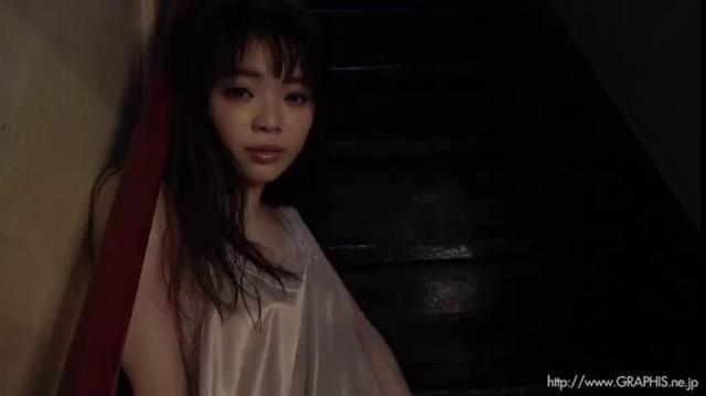 Graphis Izuna Maki 槙いずな 『 first gravure 』 MOVIE 07