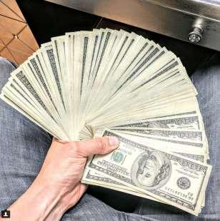 ventaglio di contanti