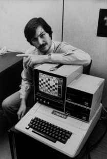steve jobs con computer apple