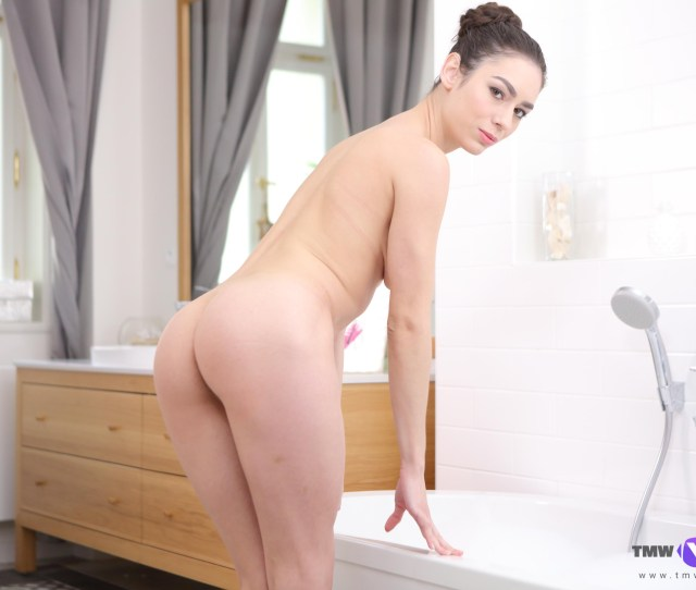 The Most Sensual Bath Solo By Arwen Gold In Vr Vr Porn