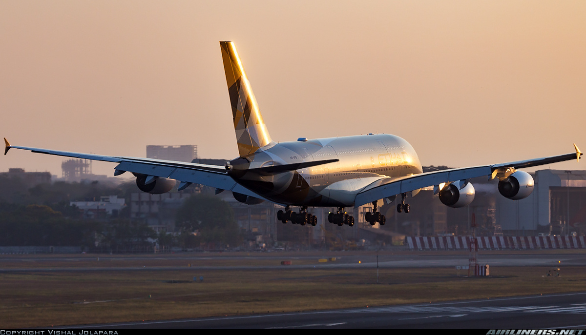 Airbus A380-861 aircraft picture