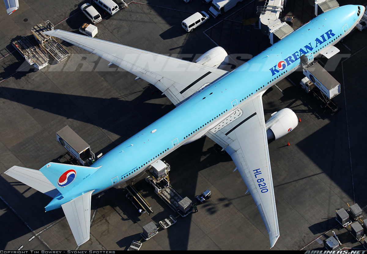 Boeing 777-3B5/ER aircraft picture