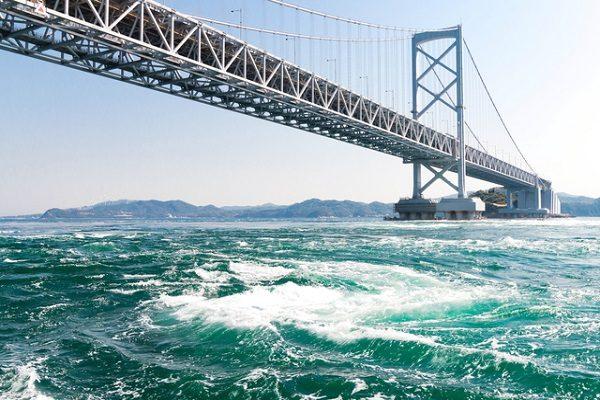 四国新幹線整備のためのスペースを外国人客向けの観光施設に【大鳴門橋】