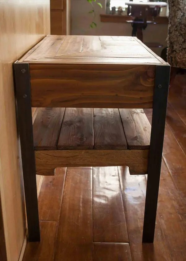 DIY Industrial Pallet Side Table with Shelf  101 Pallets