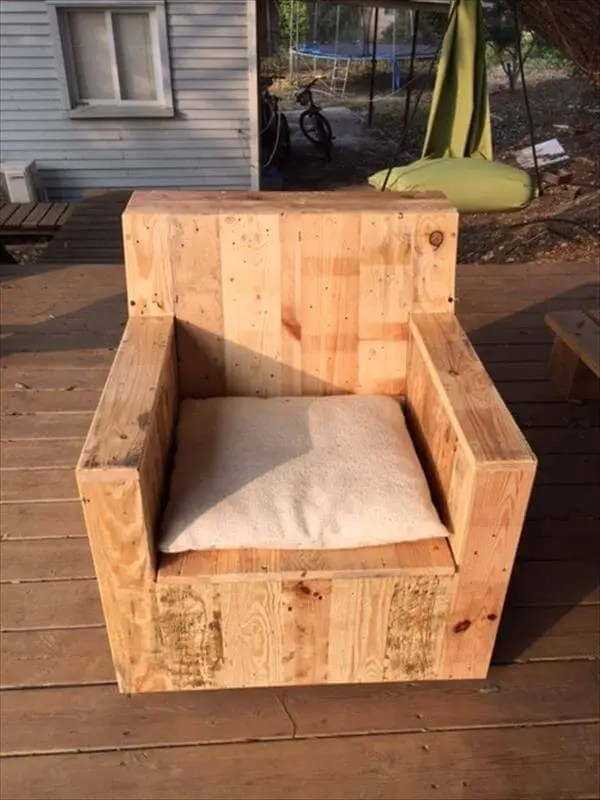 desk chair seat cushion wedding covers hire sydney diy beefy pallet wood armchair – 101 pallets