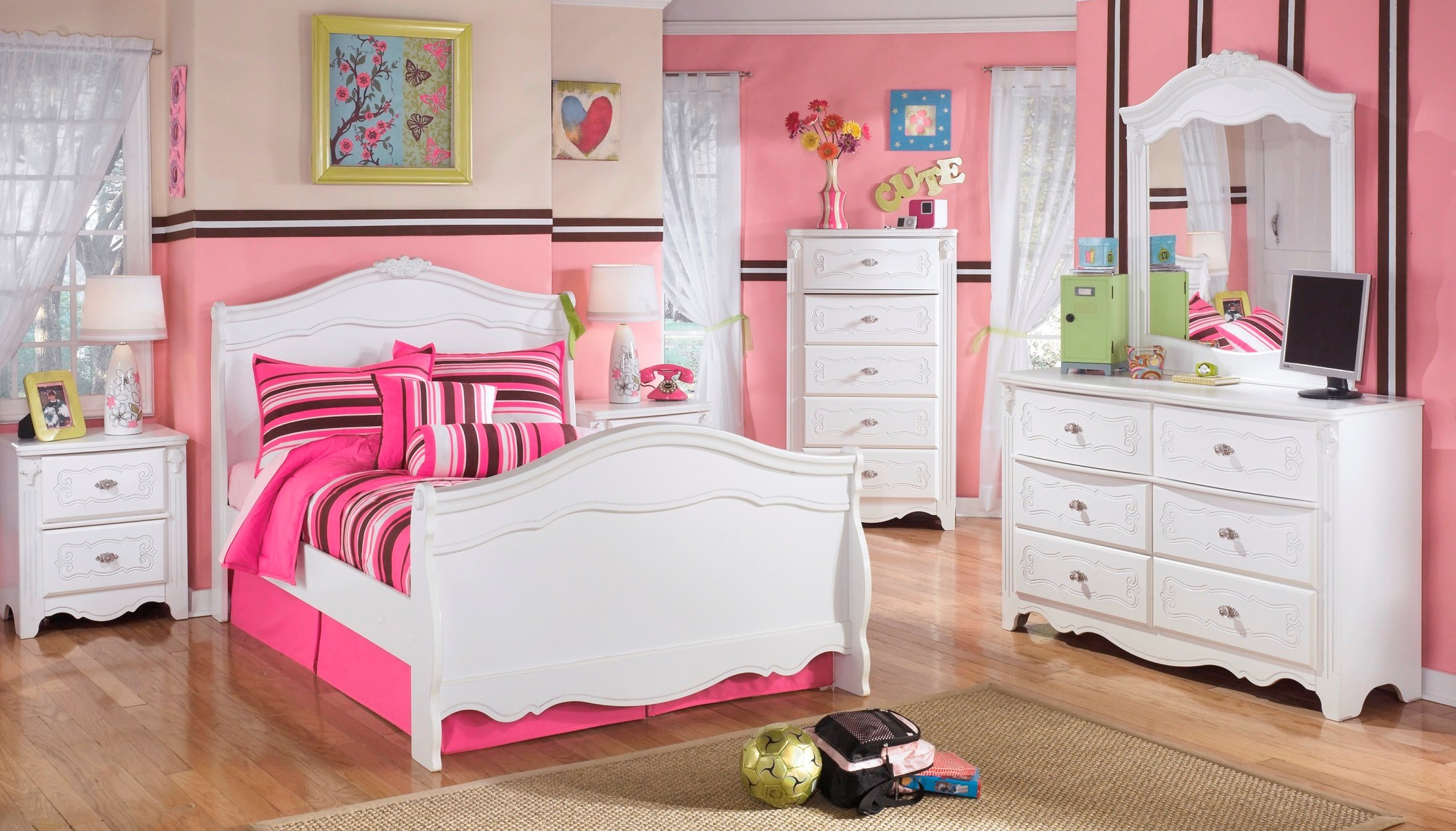 Signature Design by Ashley Exquisite Youth Sleigh Bedroom
