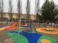 El parque de La Jarea de Barbastro cuenta con una nueva zona de juegos infantiles
