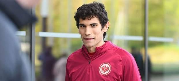 Jesús Vallejo en un entrenamiento con el Eintracht