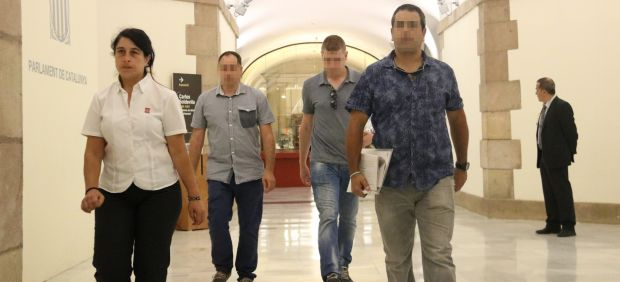 Agentes de la Guarda Civil en el Parlament.
