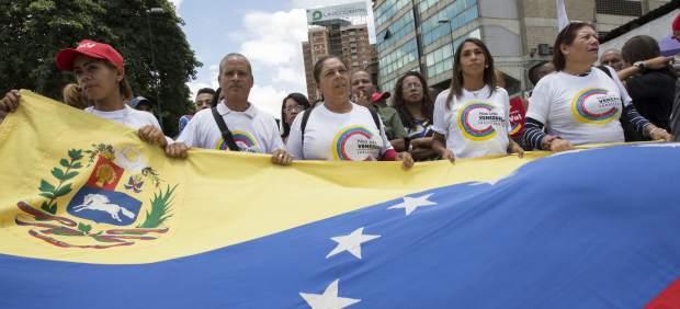 Simpatizantes del Gobierno de Maduro