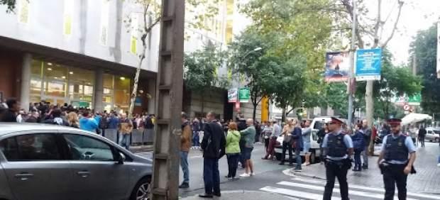 Los Mossos abandonan la Escola Tabor de Barcelona