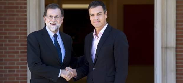 Rajoy recibe a Sánchez en la Moncloa