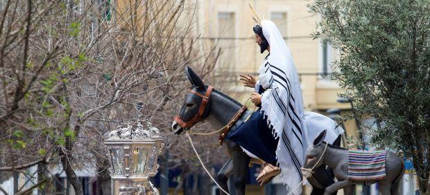 'La Borriquita' procesiona por Almería