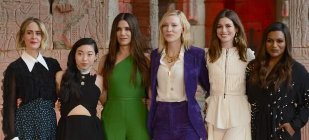 SaraH Paulson, Awkwafina, Sandra Bullock, Cate Blanchett, Anne Hathaway y Mindy Kaling en la presentación ofcial de 'Ocean's 8'.