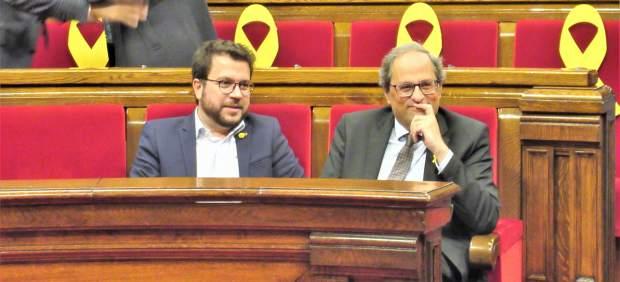 El president Quim Torra y el vicepresident Pere Aragonès en el pleno del Parlament.