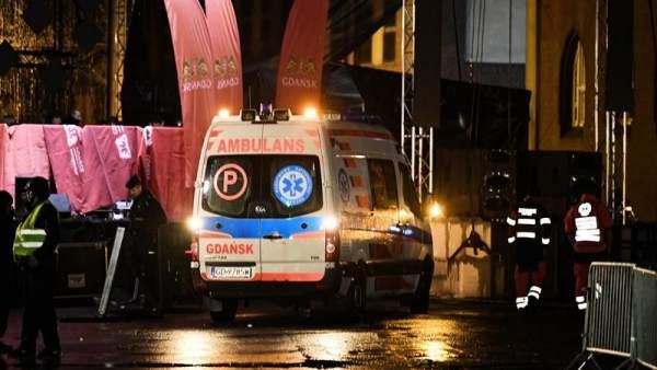 Apuñalan al alcalde de Gdansk, Polonia