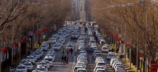 Los taxistas cortan la Castellana