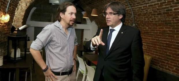Pablo Iglesias media con Puigdemont para intentar salvar los Presupuestos