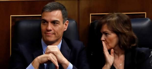 Pedro Sánchez y Carmen Calvo en el Congreso.