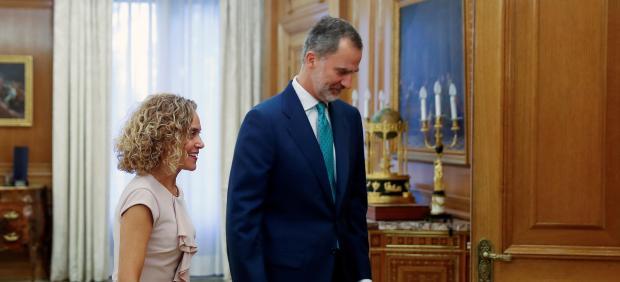 El rey Felipe VI recibe a la presidenta del Congreso, Meritxell Batet.