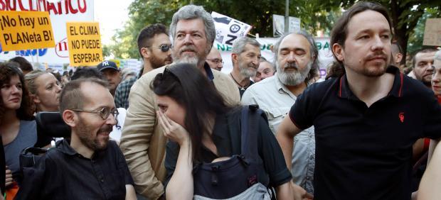 Iglesias y Errejón participan en la manifestación por el clima en Madrid, pero no coinciden