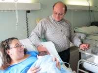 Marcos es el primer bebé de 2014, nacido por cesárea, en el Hospital Miguel Servet