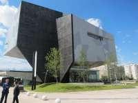 Más de 12.000 personas visitan el CaixaForum en sus tres primeros días de apertura