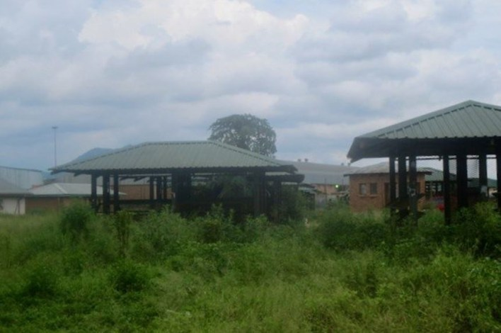 Market stalls built years ago in central Giyani in Mopani District, Limpopo, were never allocated to hawkers.