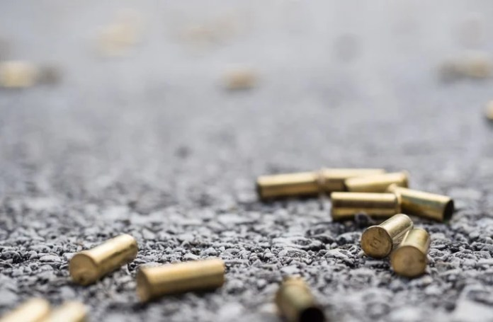 A Northern Cape police officer allegedly shot his girlfriend before turning the gun on himself.