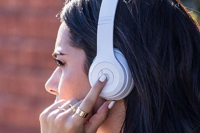 Hướng dẫn đeo tai nghe Bluetooth đúng cách - 3