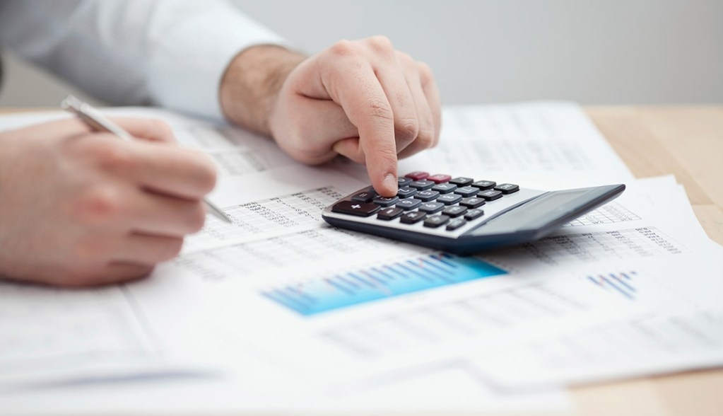 Jbq Personal Finance 101 Financial Data Analyzing Counting On Calculato