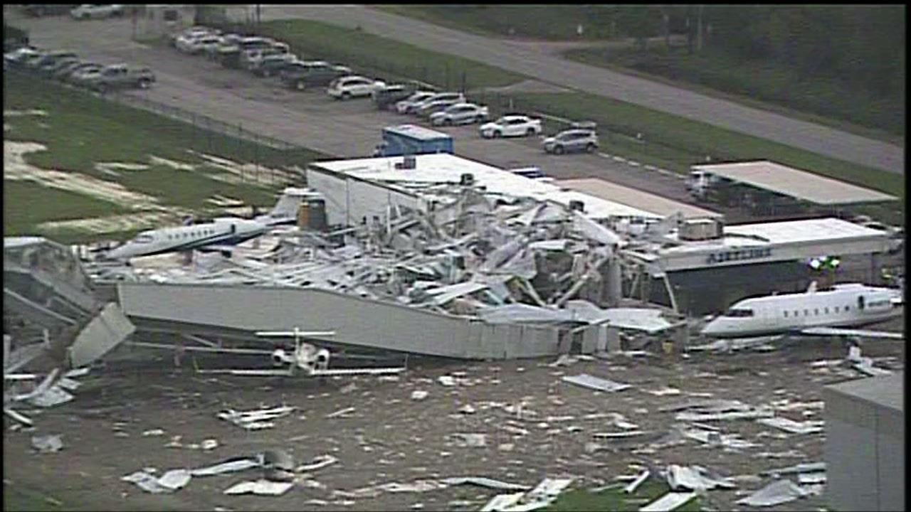 Strong winds destroy hangar near Hobby Airport in Houston causing it to collapse  abc7chicagocom