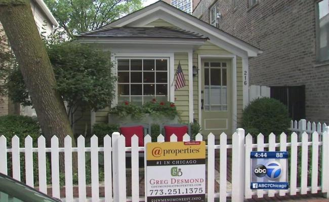 Original Chicago Tiny House For Sale In Old Town