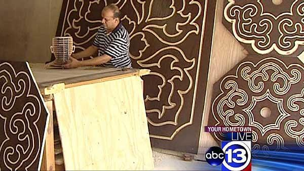 Katy man creates traditional Islamic wood carvings in his garage  Video  abc13com