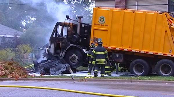 3 dead in Glenview, Illinois garbage truck crash | End Time