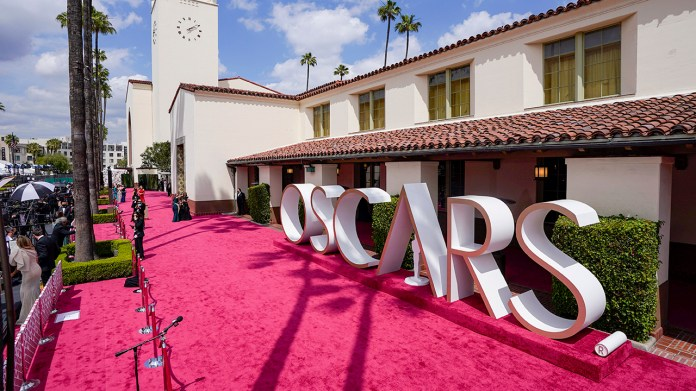 Oscars 2021: 93rd Academy Awards underway on ABC with no crowds, new venue | LIVE BLOG