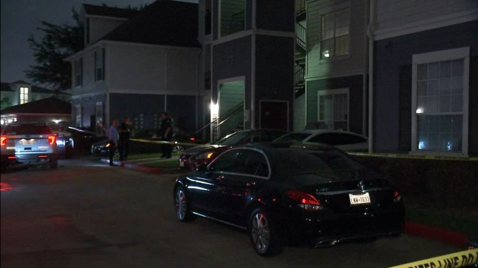 Woman shot to death in north Harris County apartment complex