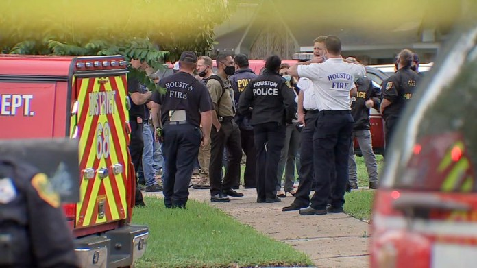 HPD investigating possible human smuggling after 90 people found in SW Houston