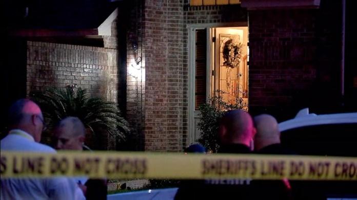 Man found shot to death in doorway in northwest Harris County