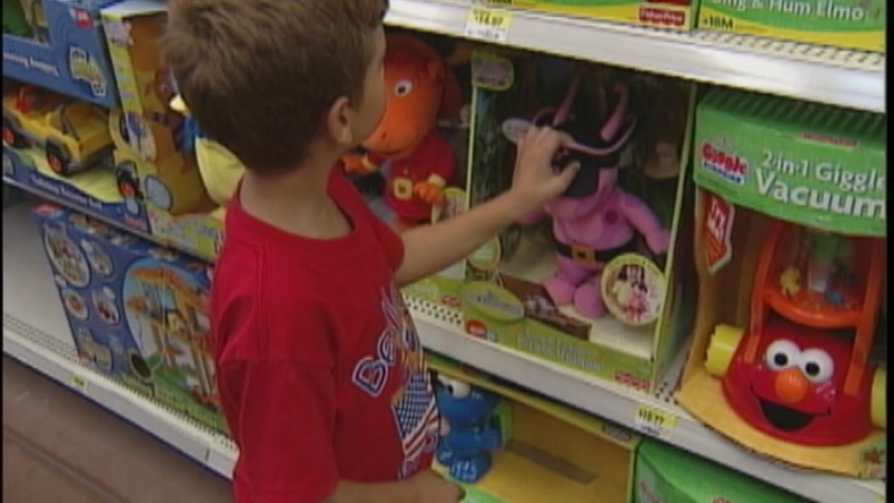 Where To Donate Used Toys To Clear Your Clutter Before