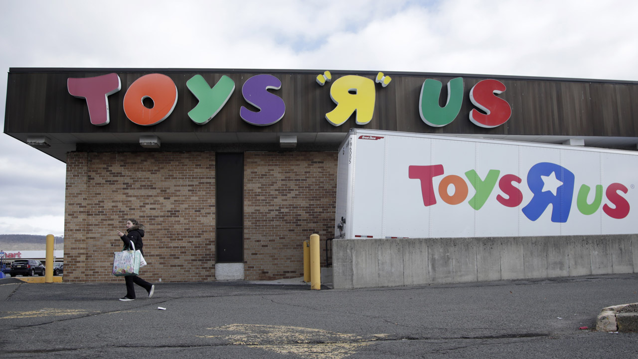 Store Closing Sales Begin At Toys R Us Locations In New