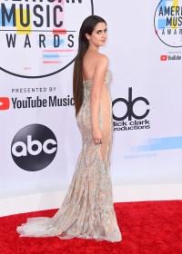 American Music Awards red carpet fashion: PHOTOS | abc13.com