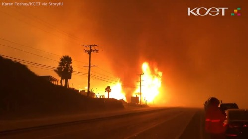 small resolution of woolsey fire whips up terrifying firenado along pacific coast highway in malibu