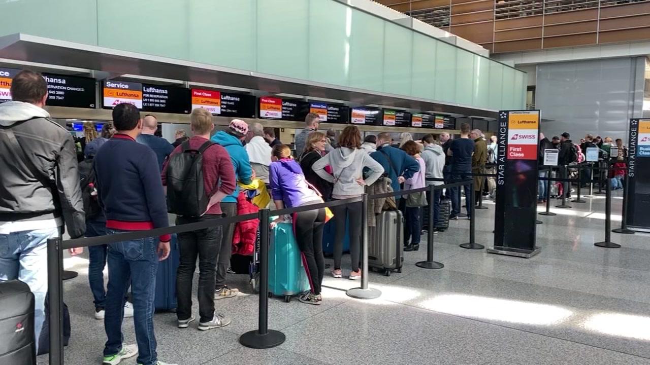 Coronavirus Outbreak: Travelers attempt to leave United States ...