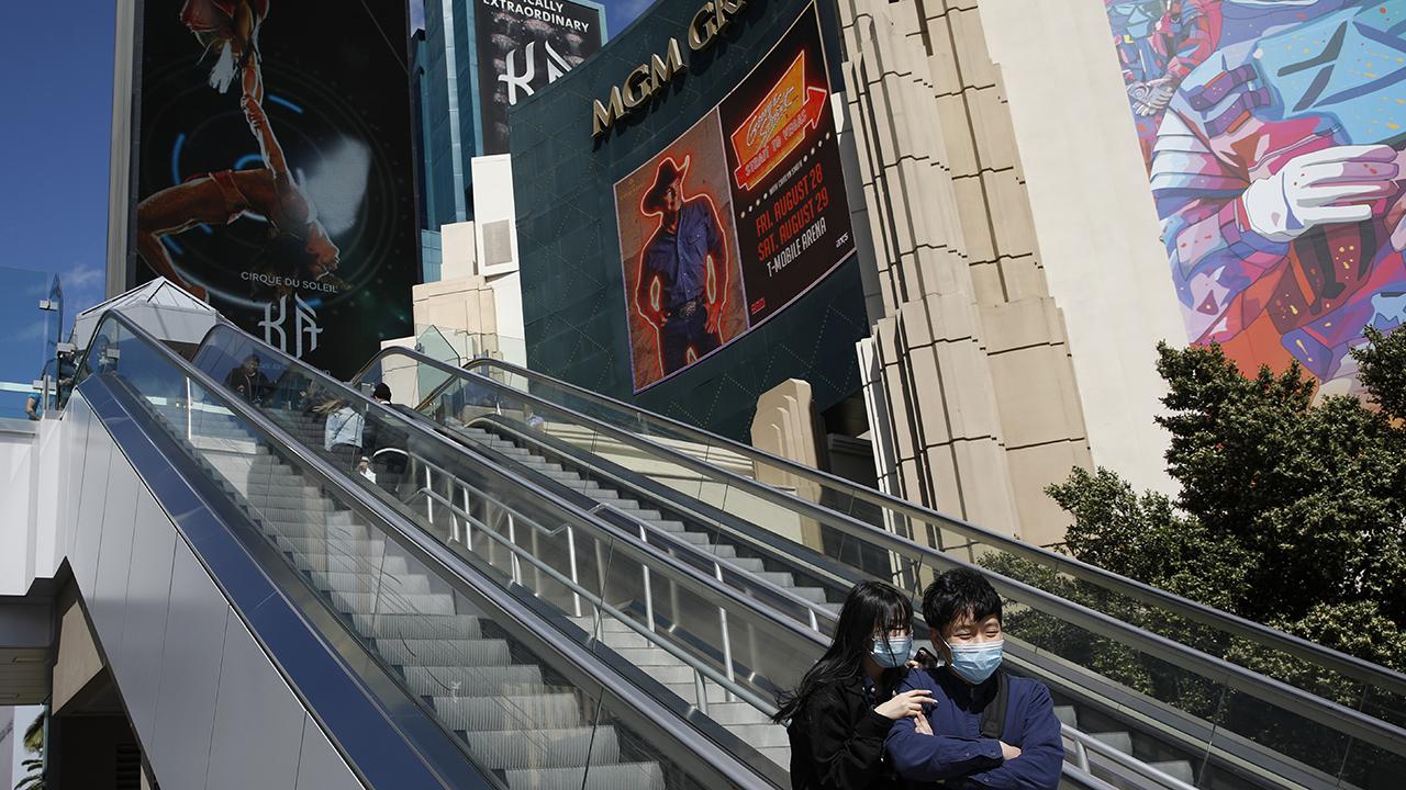 Coronavirus in US: Las Vegas casinos, bars closed to slow pandemic ...